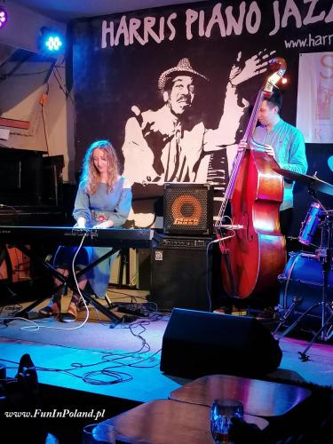 Julia Amirova Trio 001