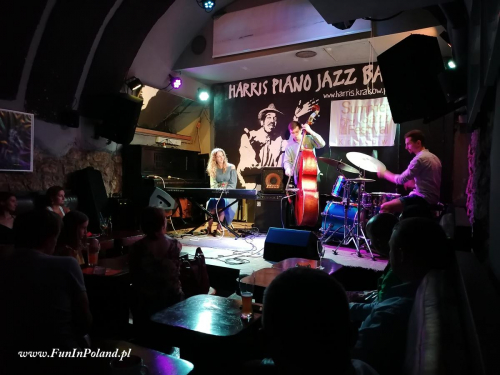 Julia Amirova Trio 002