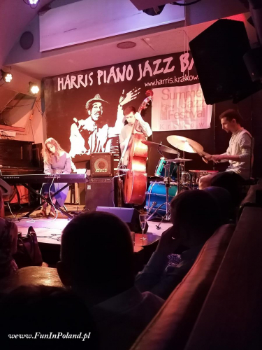 Julia Amirova Trio 003