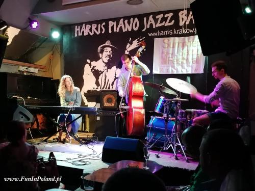 Julia Amirova Trio 004